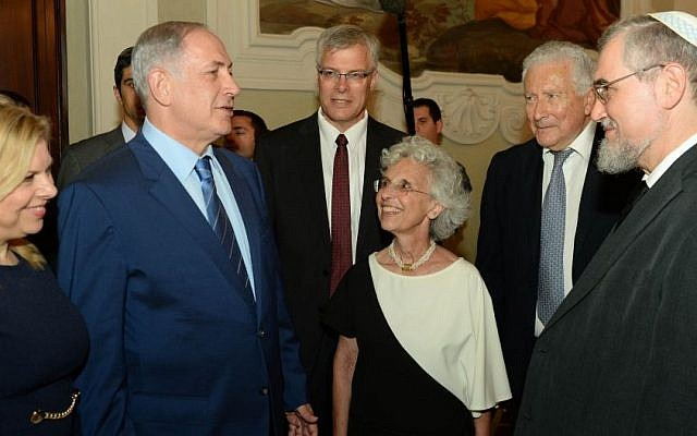 Prime Minister Benjamin Netanyahu meets with Jewish community leaders in Florence, Italy, on August 28, 2015. (Kobi Gideon / GPO)