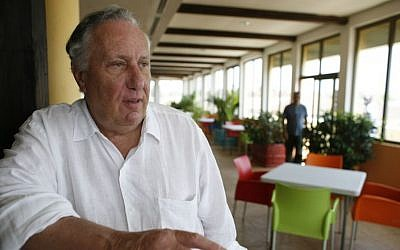 British author Frederick Forsyth speaks to journalists in a hotel bar, in central Bissau, Guinea-Bissau Wednesday, March 4, 2009. (Rebecca Blackwell/ AP Photo)