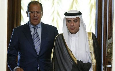 Russian Foreign Minister Sergey Lavrov, left, and Saudi Arabia Foreign Minister Adel bin Ahmed Al-Jubeir, before their meeting in Moscow, Russia, August 11, 2015. (AP/Alexander Zemlianichenko)