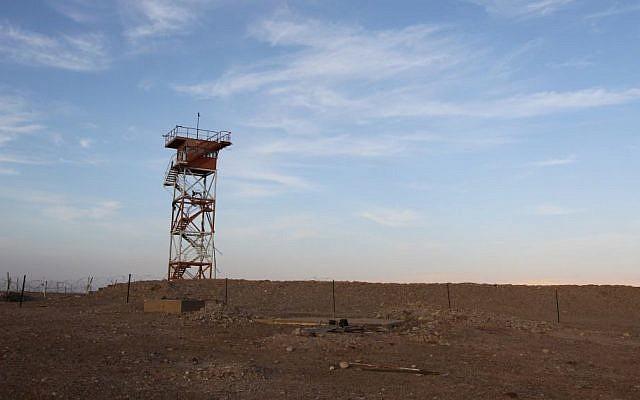 Illustrative image of a watchtower on the Jordanian-Israeli border, February 22, 2011. (Nati Shohat/Flash90)