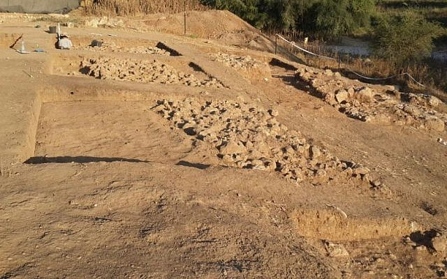 Israeli Archaeologists from Bar Ilan University announce the discovery of a monumental city gate and fortification of the biblical city of Philistine Gath (home of Goliath) on August 4, 2015. (The Ackerman Family Bar-Ilan University Expedition to Gath Official (and Unofficial) Weblog)