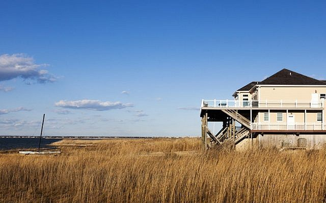 Illustrative photo of the Hamptons, Long Island, NY Shutterstock)