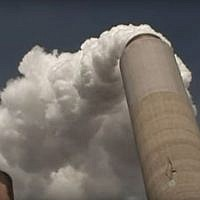 Illustrative photo of carbon emissions from a US power plant (screen capture: YouTube)