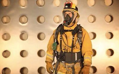 A first responder wears a StemRad belt (Screenshot)