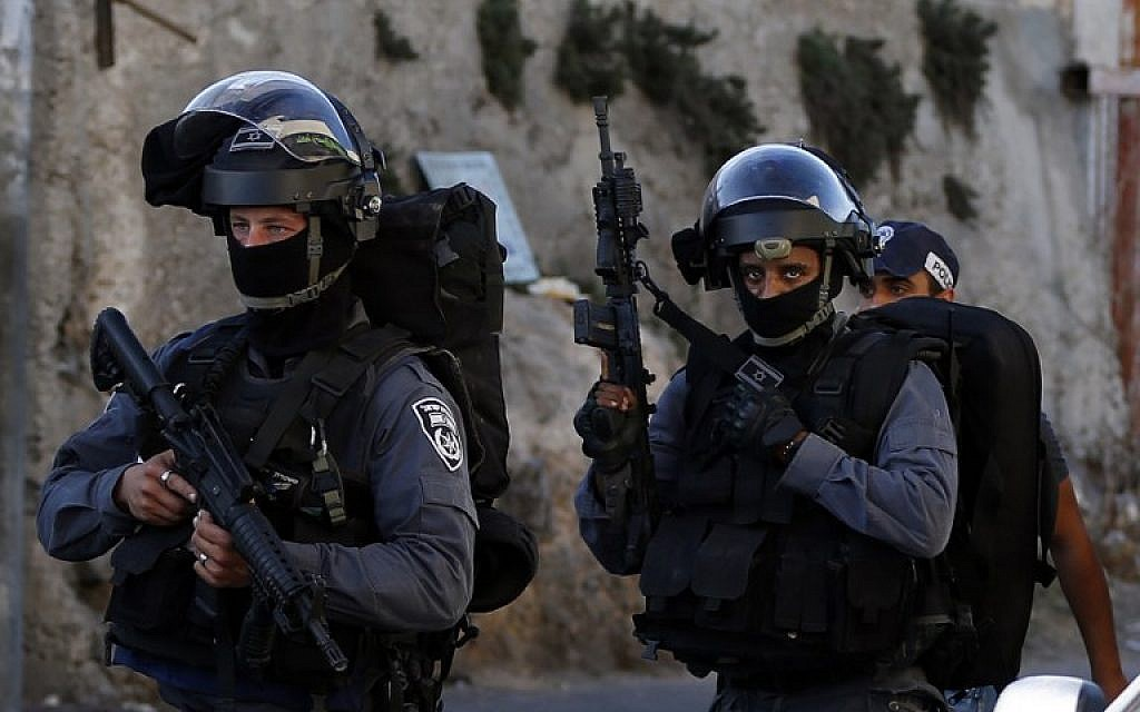 Illustrative photo of Israeli Border Police officers (AFP PHOTO/AHMAD GHARABLI)