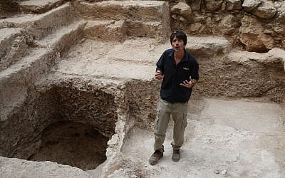 Israeli archeologist Amit Re'em, of the Israel Antiquities Authority, at the excavation site where a large mausoleum was recently uncovered close to the central Israeli city of Modiin, during an excavation in search of the real location of the Tomb of the Maccabees, September 21, 2015. (AFP/Gali Tibbon)