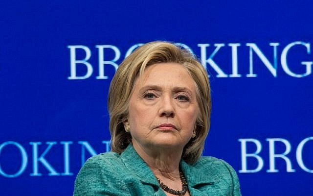 US Democratic presidential candidate Hillary Clinton at the Brookings Institution in Washington, DC, September 9, 2015. (AFP/NICHOLAS KAMM)