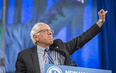 Democratic presidential contender Sen. Bernie Sanders (I-Vermont) on stage during the New Hampshire Democratic Party State Convention on September 19, 2015 in Manchester, New Hampshire. (Scott Eisen/Getty Images/AFP)