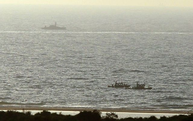 Israeli navy vessels patrolling near Zikim, July 9, 2014 (Edi Israel/Flash90)