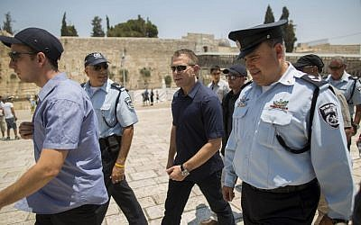 Public Security Minister Gilad Erdan during a visit to the Western Wall and the Temple Mount in Jerusalem's Old City, July 31, 2015. (Yonatan Sindel/Flash90)