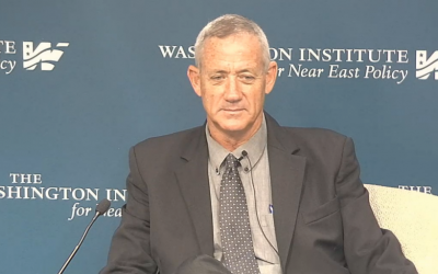 Former IDF chief of staff Benny Gantz speaks at the Washington Institute, September 25, 2015 (Washington Institute screenshot)