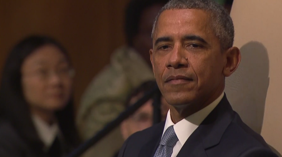 President Barack Obama waits to speak to the UN General Assembly, September 28, 2015 (UN screenshot)