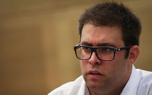 MK Oren Hazan attends at a State Control Committee meeting on the subject of force-feeding prisoners who are on hunger strikes, at the Knesset on June 22, 2015. (Hadas Parush/Flash90)