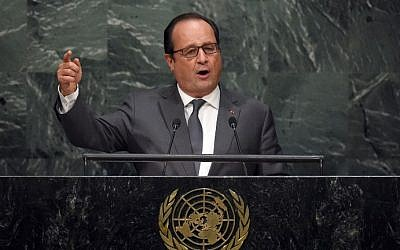 French President Francois Hollande addresses the 70th Session of the UN General Assembly September 28, 2015 at the United Nations in New York.  (AFP/ TIMOTHY A. CLARY)