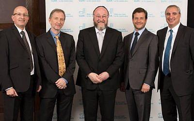 UJIA chief executive Michael Wegier, David Horovitz, Chief Rabbi Ephraim Mirvis, UJIA Chairman Bill Benjamin, and Israel's deputy head of mission Eitan Na'eh at the UJIA Annual Dinner, London, September 21, 2015 (Blake Ezra Photography/ UJIA)