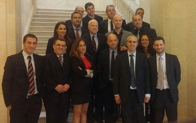 Israeli diplomatic correspondents meet with Senator John McCain in Washington, DC, August 2015(Courtesy)