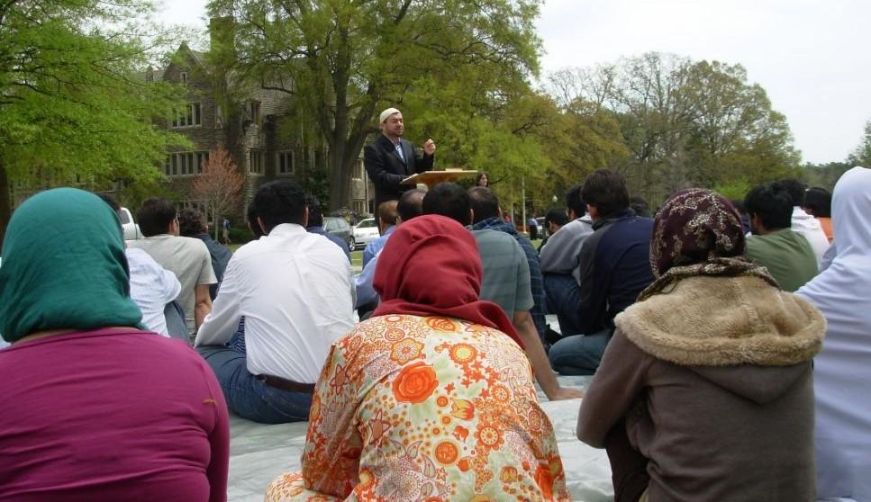 Imam Antepli leading prayers at Duke University campus (Courtesy)