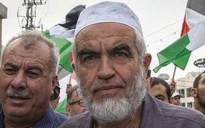 Arab Israeli Islamist leader Sheikh Raed Salah takes part in a large anti-government demonstration in Sakhnin, October 13, 2015 (AFP/JACK GUEZ)