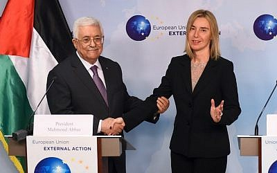 EU Foreign policy chief Federica Mogherini meets Palestinian Authority President Mahmoud Abbas at the European Union External Action headquarters in Brussels on Monday, October 26, 2015 (PHOTO / EMMANUEL DUNAND)