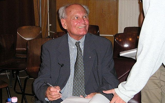 Former Hungarian president Arpad Goncz in 2005 (CC BY-SA Danmay, Wikimedia Commons)