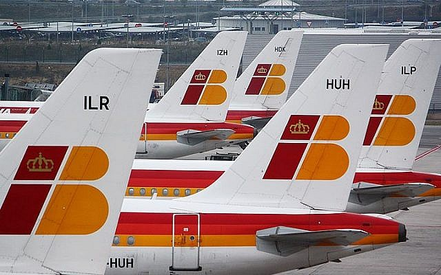Iberia planes on the tarmac at the Madrid Airport. (CC BY-SA2.0 Louis/Wikipedia)