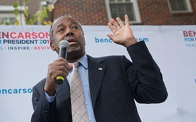 US Republican presidential candidate Ben Carson speaks during a campaign stop at Iowa State University, October 24, 2015. (Scott Olson/Getty Images via JTA)