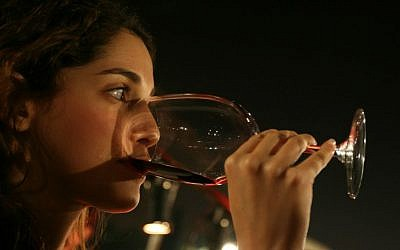 A BGU study found that red wine at dinner can help diabetics maintain better health (Anna Kaplan/Flash 90)