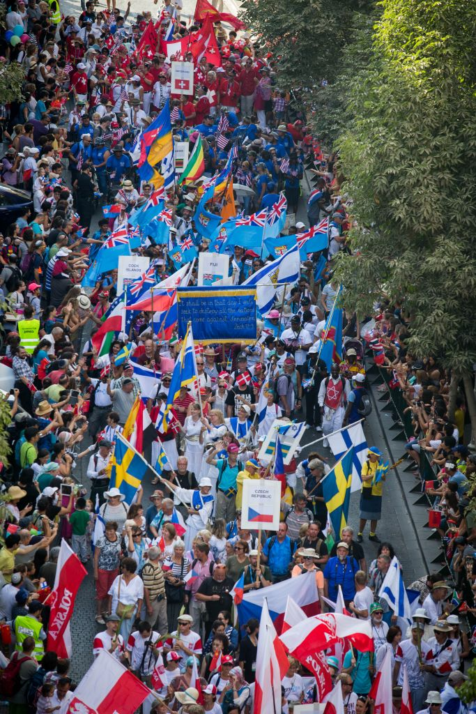 Thousands of Christian Evangelists among marchers in a parade in the center of Jerusalem, marking the Jewish holiday of Sukkot. October 01, 2015. (Photo by Nati Shohat/Flash90)
