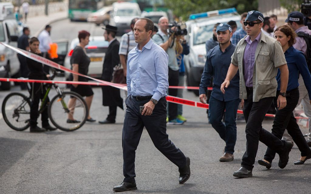 Jerusalem Mayor Nir Barkat at the scene of a stabbing attack at a station of the Jerusalem Light Rail, October 8, 2015. (Yonatan Sindel/Flash90)