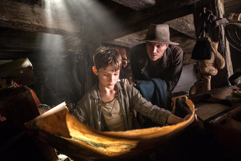 Levi Miller as Peter and Garrett Hedlund as Hook in Warner Bros. Pictures' and RatPac-Dune Entertainment's action adventure 'Pan,' a Warner Bros. Pictures release. (Laurie Sparham)