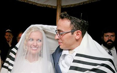 The illegal, yet 100% halachic Jewish wedding of Mark Halawa and wife Linda Brunnel in Israel, 2014. (Yonit Schiller/courtesy)