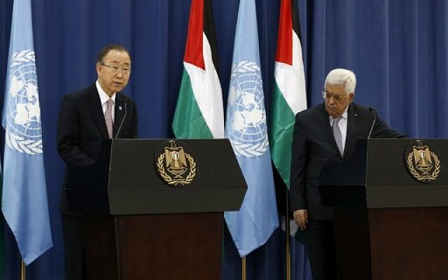 United Nations chief Ban Ki-moon (L) holds a press conference with Palestinian Authority President Mahmoud Abbas in the West Bank city of Ramallah, on October 21, 2015 (AFP/ ABBAS MOMANI)