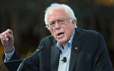 Democratic presidential candidate Senator Bernie Sanders speaking at the University of Chicago on September 28, 2015. (JTA/Scott Olson/Getty Images)
