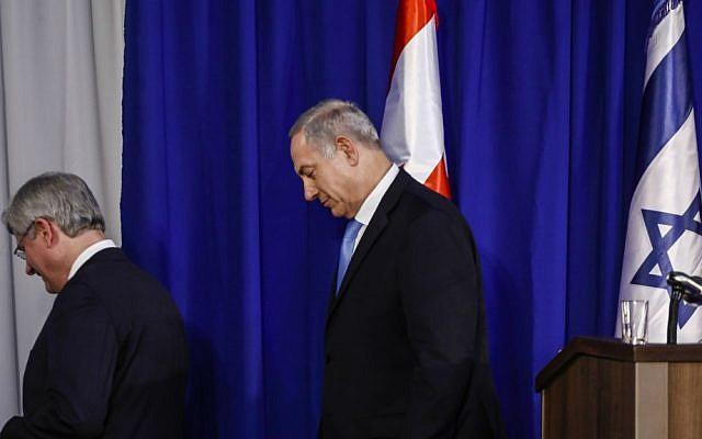 Prime Minister Benjamin Netanyahu with Canadian Prime Minister Stephen Harper in Netanyahu's office in Jerusalem, Tuesday, January 21, 2014. (Flash90)