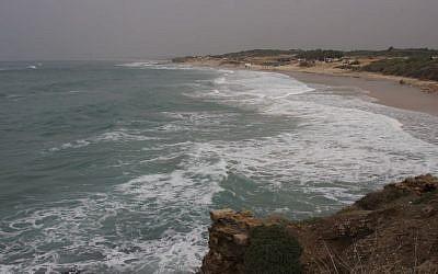 The coast at Palmachim (Shmuel Bar-Am)