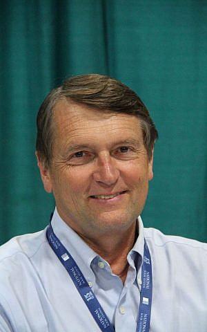 Ed Larson (CC BY-SA fourandsixty, Wikipedia)