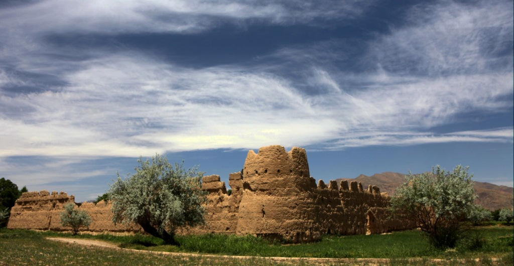An old Caravanserai (roadside inn) in the ancient town of Golpayegan, Iran (photo credit: CC BY ninara , Flickr)