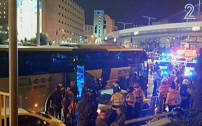 The scene of an attack on a bus in Jerusalem, Monday, October 12, 2015 (screen capture: Channel 2)