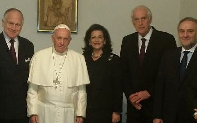 WJC President Ronald S. Lauder (L) with Pope Francis and WJC officials at the Vatican on October 28, 2015 (Courtesy WJC)