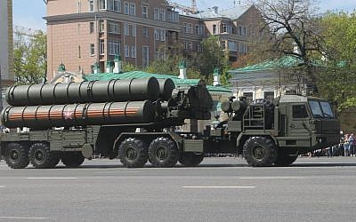 The S-400 anti-aircraft missile system on display in Russia. (CC BY-SA/Соколрус/Wikimedia)