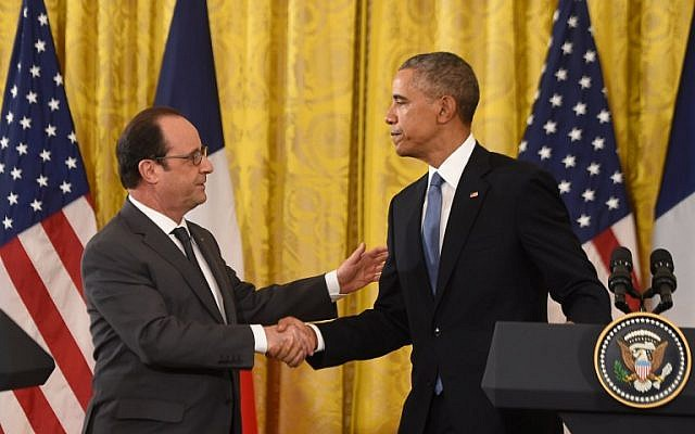 US President Barack Obama and his French counterpart Francois Hollande hold a press conference at the White House in Washington, DC, November 24, 2015. (AFP/NICHOLAS KAMM)