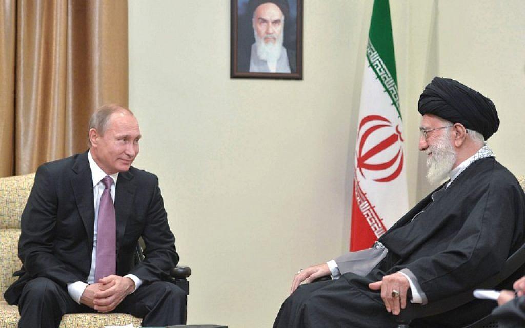 Russian President Vladimir Putin (L) meets with Iran's supreme leader Ayatollah Ali Khamenei in Tehran on November 23, 2015 (AFP/Sputnik/Alexei Druzhinin)