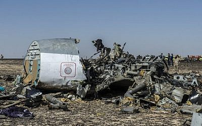 Debris of the A321 Russian airliner lies on the ground a day after the plane crashed in Wadi al-Zolomat, a mountainous area in Egypt's Sinai Peninsula, on November 1, 2015. (AFP/Khaled Desouki)