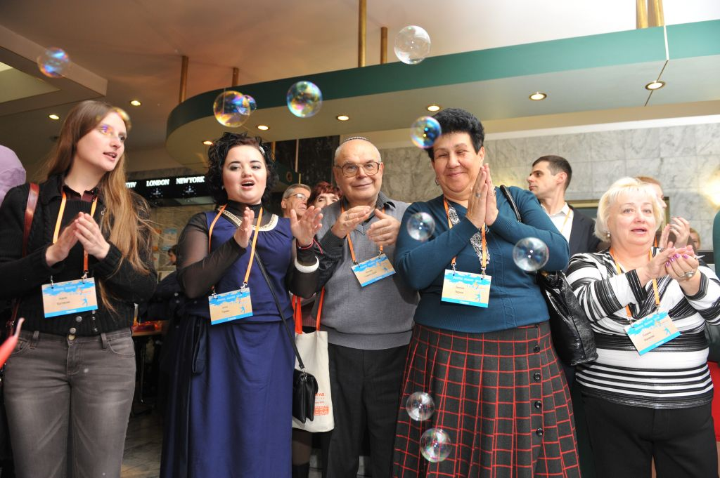 There's still a mix of ages at Limmud FSU, but the population is older than it used to be (Courtesy Boris Bukhman)