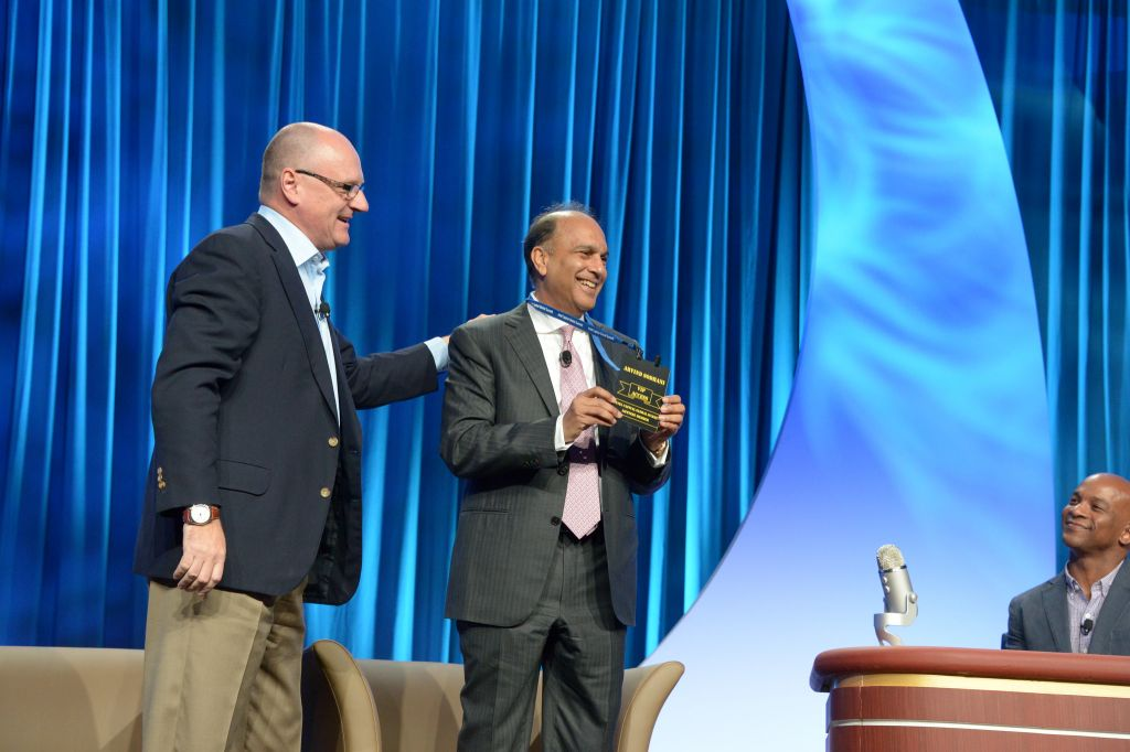 Wendell Brooks (L) and Arvind Sodhani on stage at the Intel Capital Global Summit, Nov 3, 2015 (Courtesy)