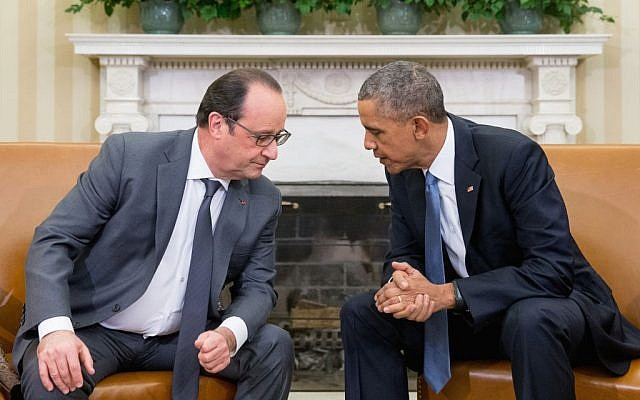 President Barack Obama, left, meets with President Francois Hollande of France in the Oval Office of the White House, Washington, November 24, 2015. (AP/Andrew Harnik)