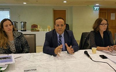 Deputy Minister for Regional Cooperation Ayoub Kara speaks at a meeting of the National Planning and Building Council to approve the establishment of a the Druze town of Ahuzat Naftali, November 25, 2015. (Photo courtesy of Ayoub Kara)
