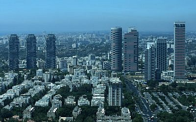 Luxury towers in Tel Aviv, July 06, 2010. (Kobi Gideon/Flash90)