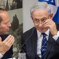 Prime Minister Benjamin Netanyahu (right) with then-Jerusalem mayor Nir Barkat in Jerusalem, on May 28, 2014. (Emil Salman/POOL/Flash90)