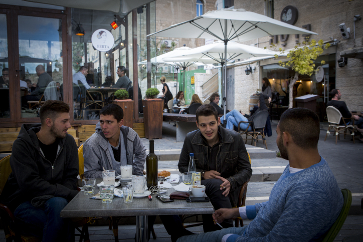Restaurants okayed to say food kosher without rabbinate's approval